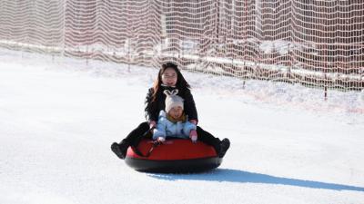 全國最北滑雪場開滑 南方愛好者北上體驗