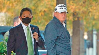 特朗普聞敗訊照打golf:還有很遠路