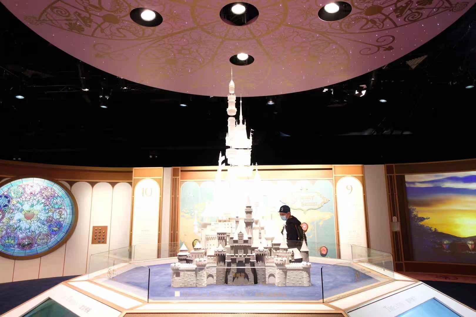 香港迪士尼即將迎來15周年慶典。(大公文匯全媒體記者攝)