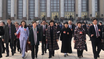 李微微等部分住湘全國政協委員擬聯名提交兩件提案