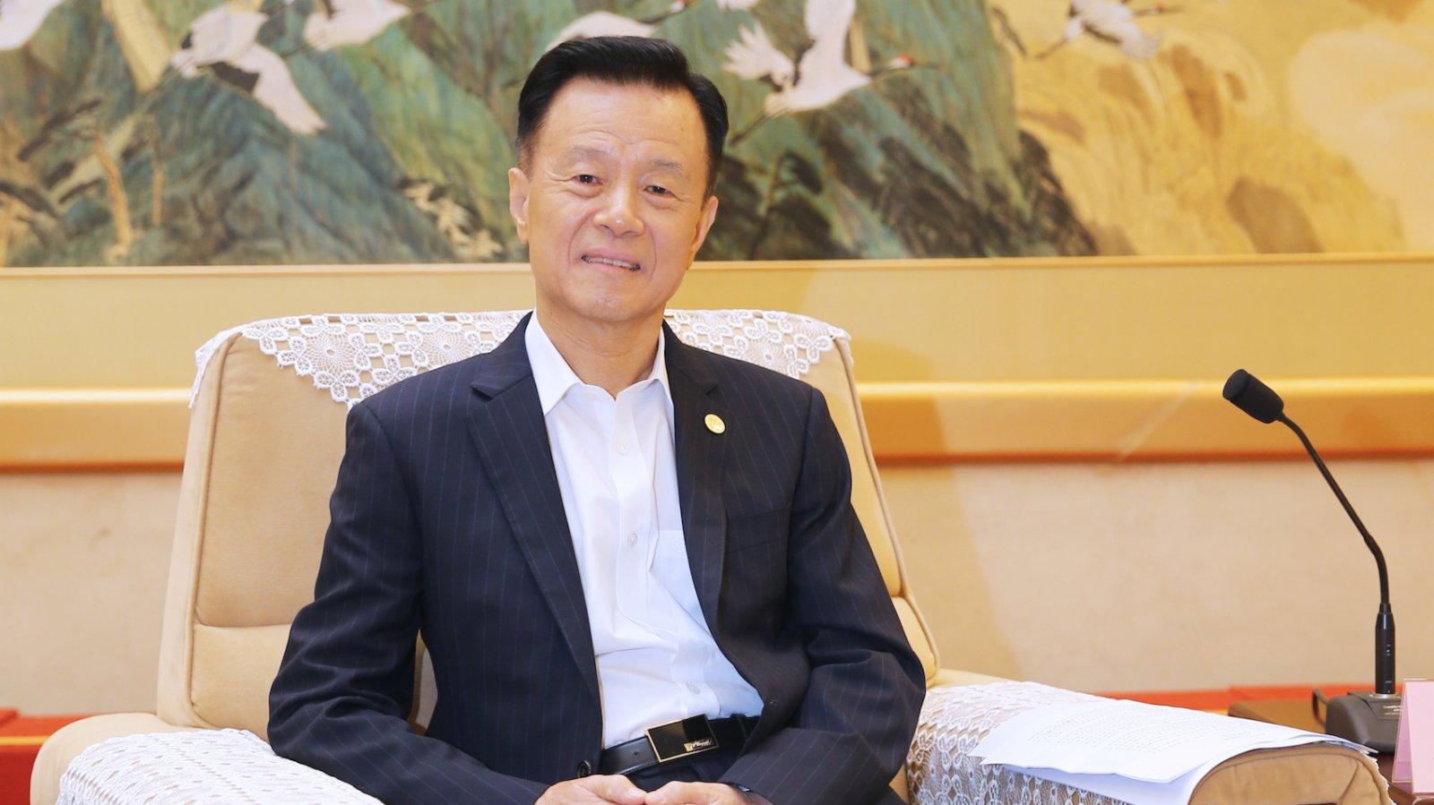 在滬港人:完善選舉制度能真正保障香港未來可期