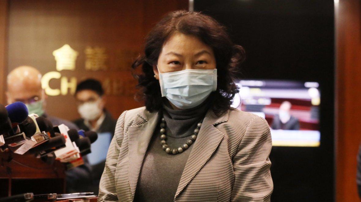 鄭若驊:人大決定令香港民主邁步向前