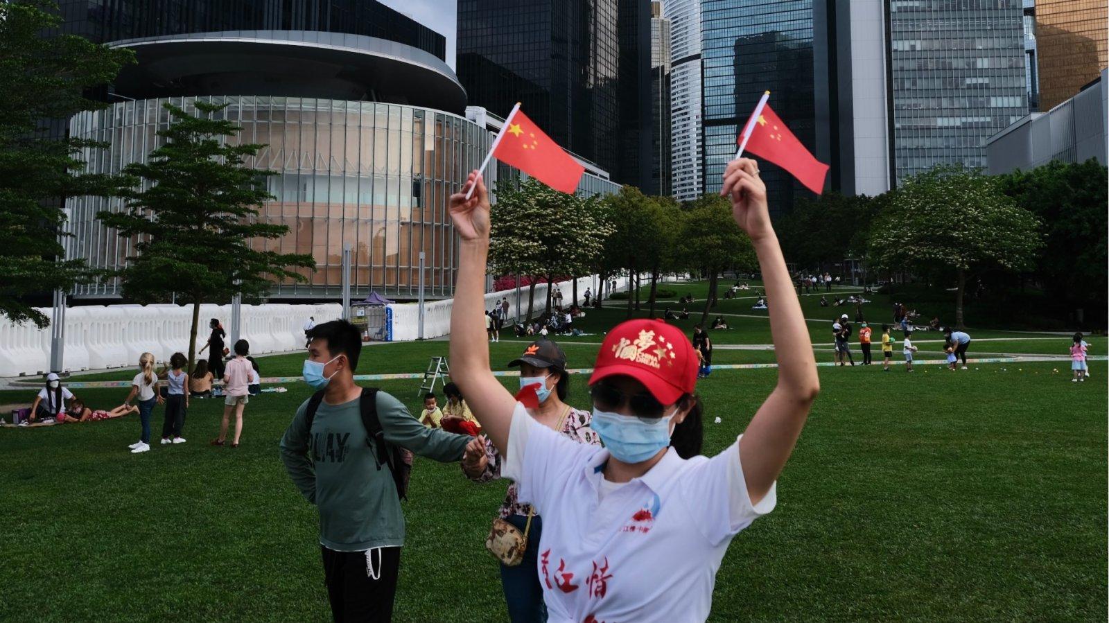 香港居民須正確認識國家執政黨
