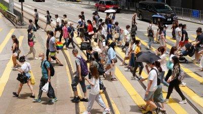 英國「香港半年報告」顛倒是非