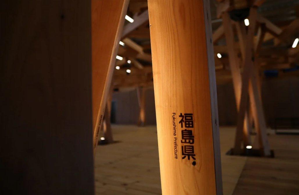 東京奧運會和殘奧會組織委員會6月20日向媒體公開了奧運期間將接待各個國家和地區運動員等的位於東京晴海的奧運村。應對新冠疫情的發熱門診、運動員生活的住宿樓房間等首次亮相。奧運村7月7日預開,13日正式開村迎接運動員入住。殘奧會期間將於8月15日預開,17日開村。