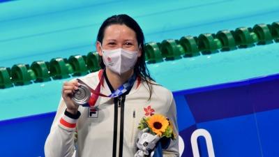 何詩蓓女子200米自由泳奪銀 霍震霆:感到振奮