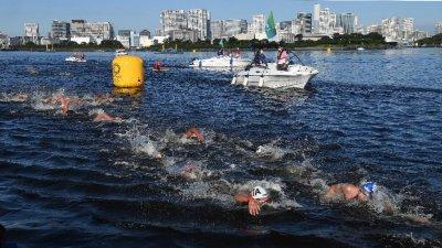 港將方胤馬拉松游泳得第22名