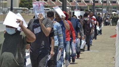 美國在得州大規模驅逐海地等國非法移民
