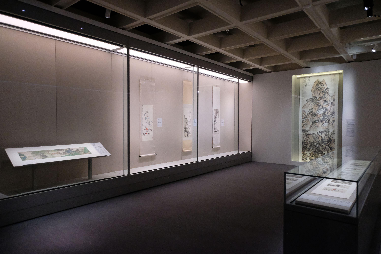 展覽精選80多組由明末清初至20世紀的廣東繪畫作品,反映廣東畫家群體如何在世代更迭的浪潮下,以作品演繹傳統與創新的思想碰撞,共同促成中國畫的現代轉型。(大公文匯全媒體記者麥鈞傑攝)