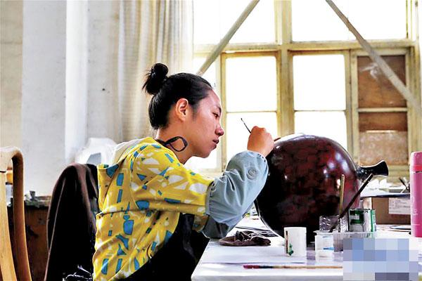 天水雕漆技藝煥新活力 以創新保傳統